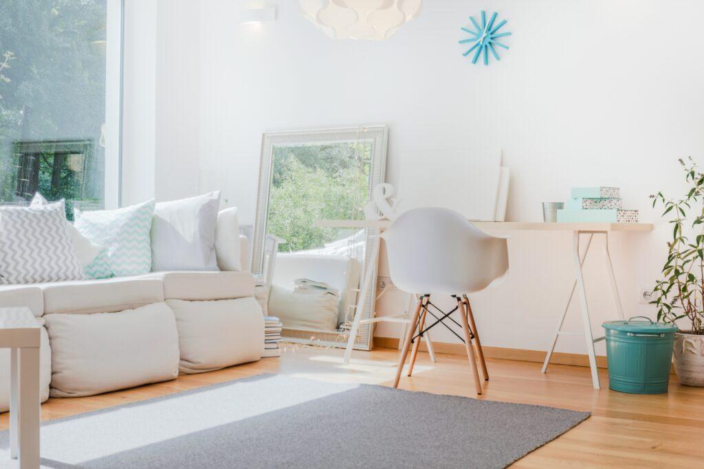 Eine kleine Wohnung einrichten: Ideen für mehr Stauraum ...