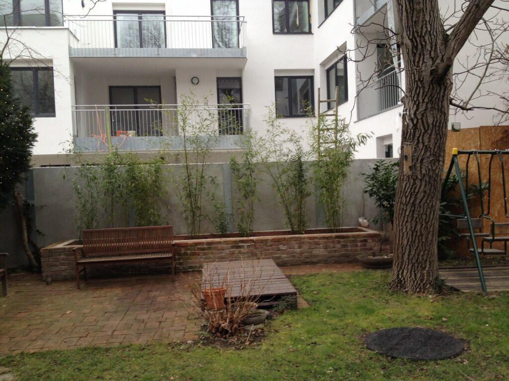 Vorderer Gartenbereich